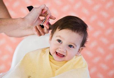 nam mo thay cat toc Ý nghĩa của việc ngủ mơ thấy cắt tóc là tốt hay xấu